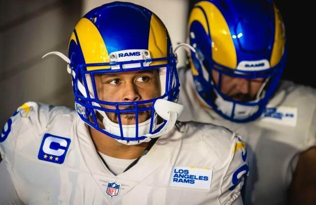 6º Aaron Donald (Los Angeles Rams): Uma coisa é certa na NFL. Quando se inicia uma jogada ofensiva, a linha vai ter atenção redobrada (ou triplicada) com Donald.