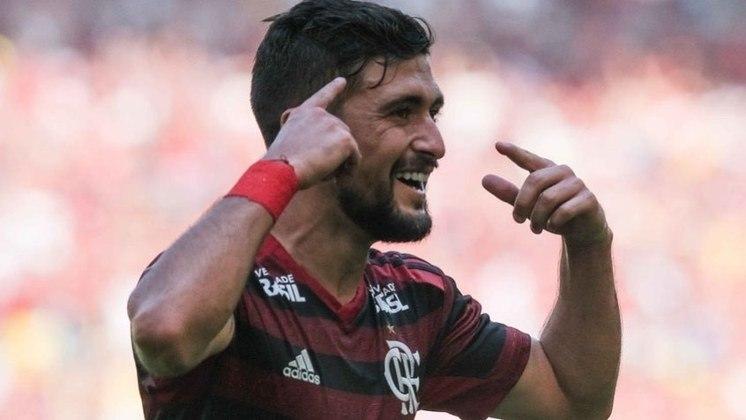 6º) Arrascaeta - Um dos grandes nomes do Flamengo, o meia uruguaio de 26 anosteve dois votos, um na segunda posição e outro na terceira, totalizando sete pontos.