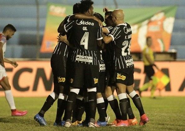 6º - Corinthians - quatro vitórias e dois empates - 14 pontos - 77,7% aproveitamento