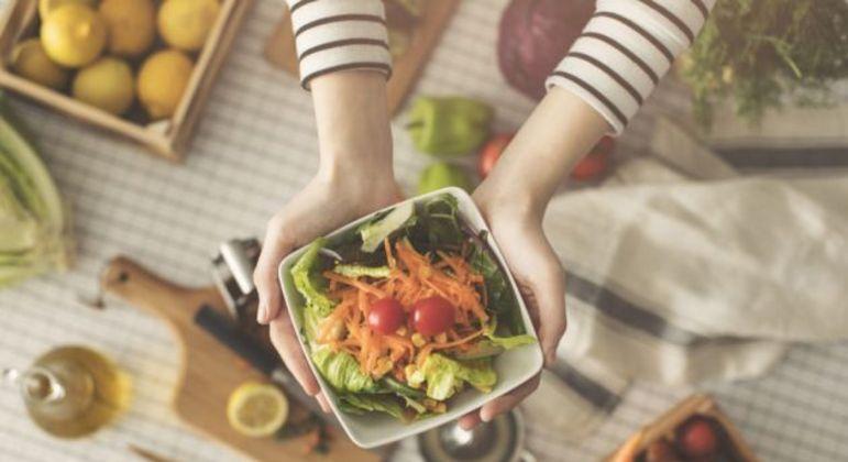 6 dicas incríveis para mudar a rotina alimentar e comer melhor
