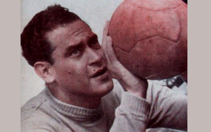 6 - Garcia -   Sinforiano Garcia  (Puerto Pinasco, 22/8/1924, Puerto Pinasco-PAR) começou no Cerro Porteño e foi o grande goleiro dos anos 50 do Flamengo, muito respeitado e com 276 jogos pelo clube onde encerrou a carreira em 1958 para ser treinador em seu país de origem...