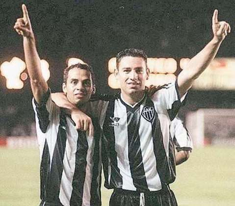 6º – Guilherme – 19 gols (27 jogos)