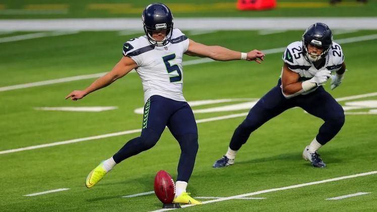 6. Jason Myers (Seattle Seahawks): O kicker dos Seahawks vem silenciosamente se firmando entre os mais sólidos da NFL nos últimos anos. Em 2020 ele aprimorou sua consistência em chutes longos e fechou a temporada com 100% em FGs, incluindo um de 61 jardas que quebrou o recorde da franquia