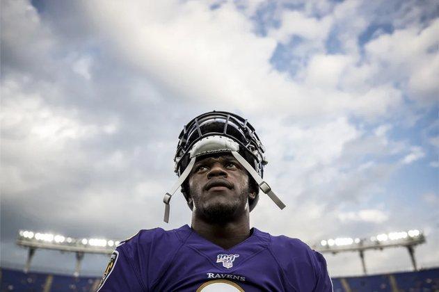 6. Lamar Jackson (Baltimore Ravens): Nada mal para o MVP de 2019 que teve uma nítida regressão em 2020. Apesar da queda de produção entre as duas últimas temporadas, Lamar é claramente um atleta especial, e ninguém consegue fazer o que ele faz.