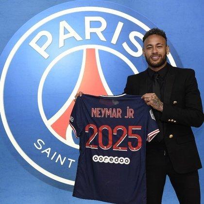 6º lugar - Neymar Jr - Pais: Brasil - Idade: 29 anos - Posição: Ponta-esquerda - Clube: Paris Saint-Germain - Valor de acordo com a consultoria KPMG em maio de 2021: 116 milhões de euros (aproximadamente R$ 741,93 milhões)
