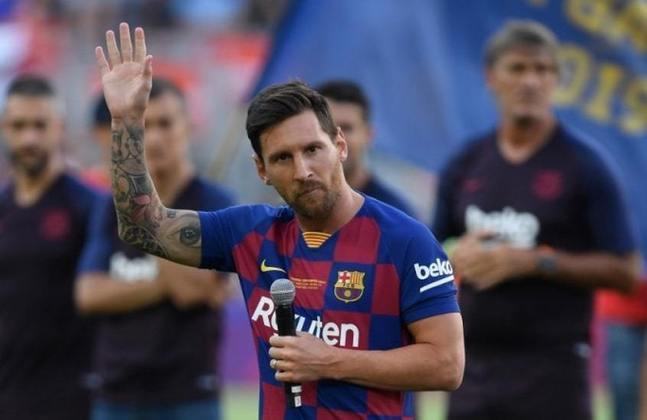 6º - Messi - Barcelona-ESP - 19 gols (38 pontos) - Maior vencedor da Chuteira de Ouro com seis conquistas, Messi não tem vivido sua fase mais artilheira da carreira, ainda assim é o artilheiro isolado do Campeonato Espanhol com 19 gols marcados. O pouco para Messi é muito para a maioria.