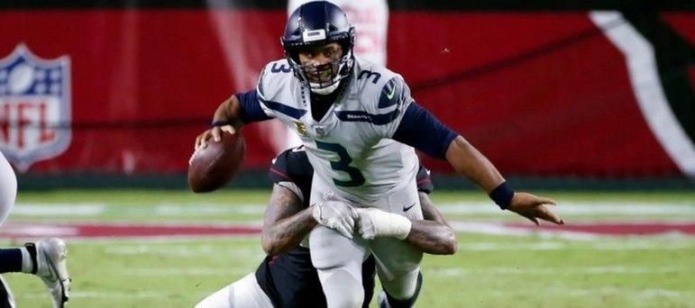 6º Russell Wilson - Seattle Seahawks: 2.151 jardas
