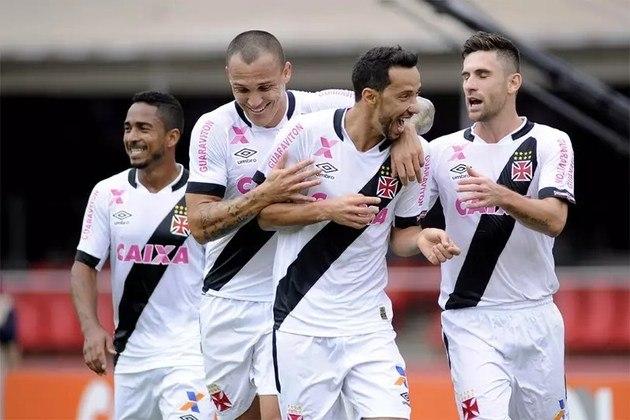 6º - São Paulo 2x2 Vasco - Brasileirão 2015 - Diante do Tricolor Paulista, Nenê marcou de pênalti, no Morumbi, ao bater colocado, sem qualquer chance de defesa para o goleiro Rogério Ceni