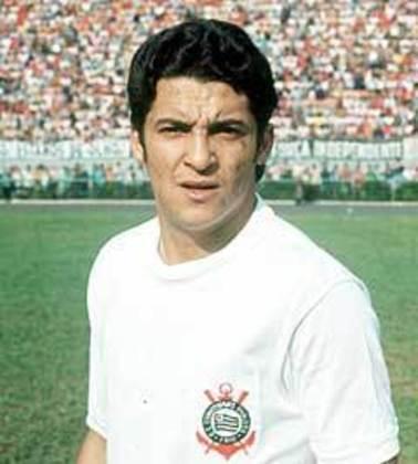 6º Vaguinho - 551 jogos - Chegou ao Corinthians no início da década de 70, vindo do Atlético-MG, e poderia ter sido herói da quebra da fila corintiana em 1977 em dois momentos: no segundo jogo da final contra a Ponte Preta ele saiu do banco de reservas e abriu o placar, que vitorioso daria o título ao Timão, mas viu os ponte pretanos viraram, e no lance do gol de Basílio, que desafogou a Fiel Torcida, ele acerta a trave, para que o meia aproveite e complete no rebote.