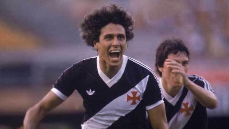 6 - Vasco 1 x 0 Goytacaz: o final da linda trajetória de Roberto Dinamite com a camisa do Vasco, não poderia ser diferente. No dia 26 de outubro de 1992, em São Januário, o atacante fez seu último gol pelo clube na vitória magra em cima do Goytacaz, por 1 a 0.