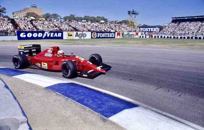 641: o carro da temporada 1990 era bastante bonito de se ver nas pistas