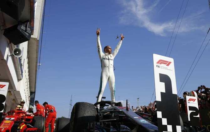 67 - No GP da Hungria de 2018, Lewis Hamilton venceu e seguiu firma na virada da briga pelo título
