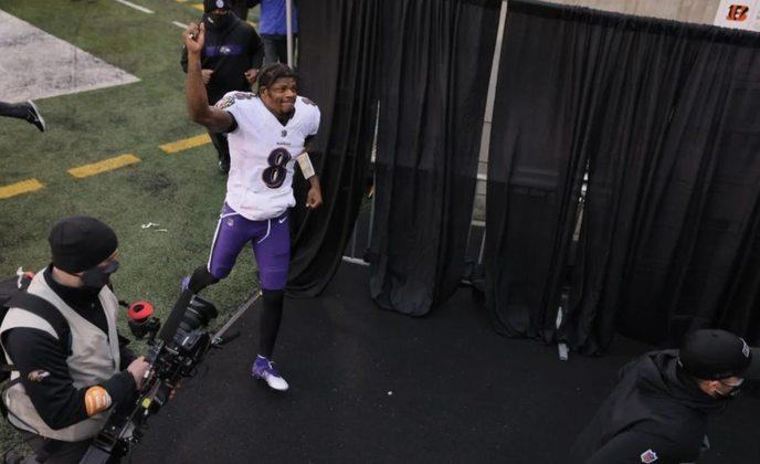 7º Baltimore Ravens (11-5): O ataque encontrou sua química ideal no momento certo. Lembra aquele time que assombrou a NFL em 2019.