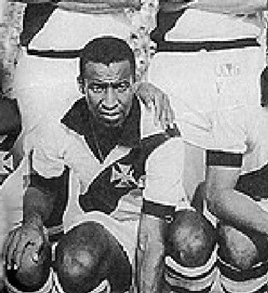 7º – Danilo Menezes – uruguaio – 1965/1970 - 17 gols