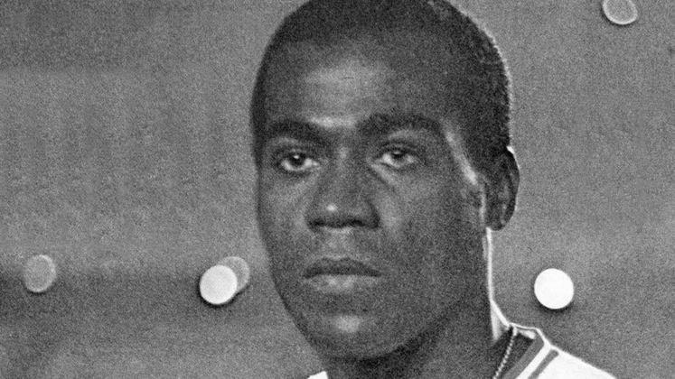 7 - Denilson (1964 - 1973) - 433 jogos com a camisa do Fluminense.