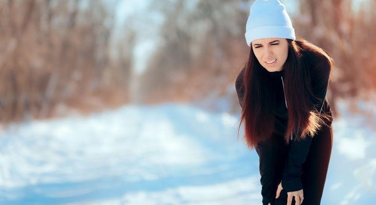 7 dicas cruciais para lidar com o aumento das dores no frio