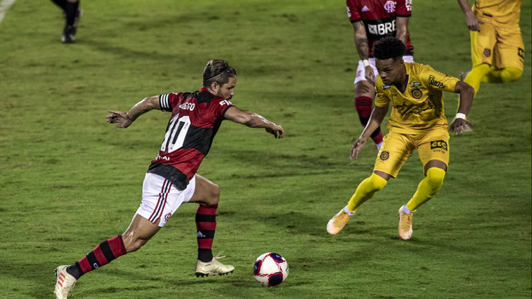 7. Diego - 610 minutos (9 jogos)