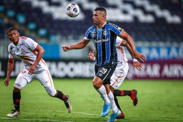7º - Diego Souza - Posição: Atacante - Clube: Grêmio - Idade: 36 anos - Valor de mercado segundo o Transfermarkt: 1,5 milhões de euros (aproximadamente R$  9,29 milhões) - Contrato até: 31/12/2021