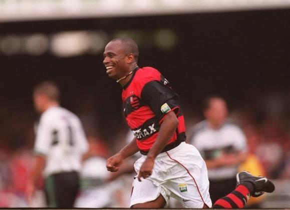 7º - Edílson - 2001-2003 - 44 gols em 90 jogos