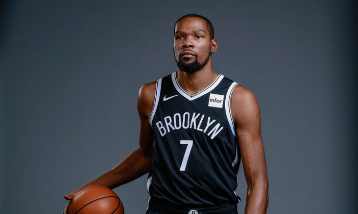 7 – Em sétimo lugar, Kevin Durant, do Brooklyn Nets, da NBA, com 63,9 milhões de dólares (R$ 342,3 milhões).