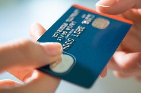 Cartão de crédito: um em cada quatro usuários entrou no rotativo
