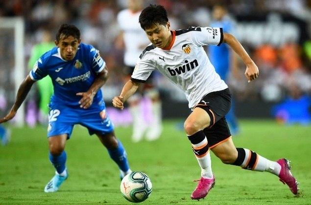 7º - Lee Kang-in - O garoto da base do Valencia, Bola de Ouro na última Copa do Mundo sub-20, depois de ser o principal jogador da seleção vice-campeã, com dois gols e quatro assistências. É o mais jovem sul-coreano a estrear na Liga dos Campeões.