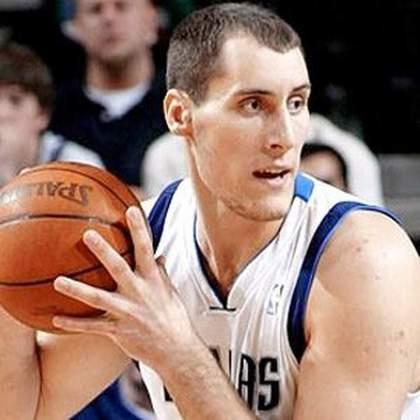 7- Pavel Podkolzin (2,26 metros) - O russo esteve no Dallas Mavericks entre 2004-06, sem apresentar um grande basquete. O pivô atuou em seis partidas e totalizou quatro pontos, nove rebotes e um toco em 28 minutos
