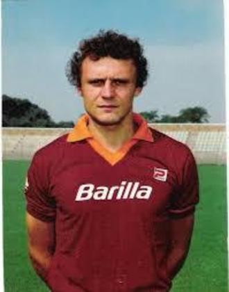 7º - Pietro Vierchowod - 562 jogos - Clubes que defendeu na Itália: Como, Fiorentina, Roma, Sampdoria, Juventus, Milan e Piacenza