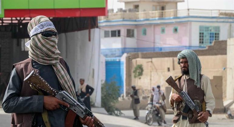Grupo Talibã retomou o comando do Afeganistão com a saída das tropas dos EUA do país.