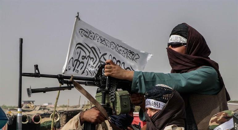 Após 20 anos, o grupo Talibã reassumiu o controle do Afeganistão