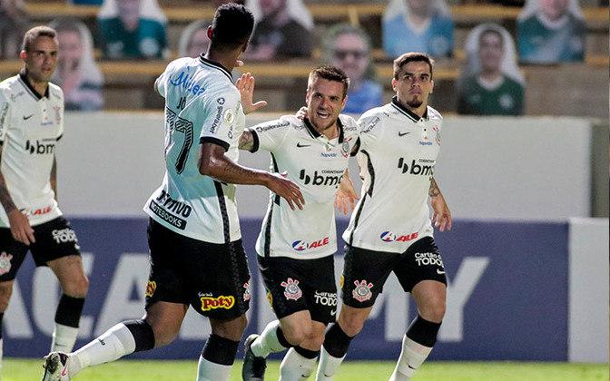 7ª rodada - Goiás 1 x 2 Corinthians: Cássio; Fagner, Gil, Danilo Avelar e Lucas Piton; Camacho e Cantillo; Ramiro, Luan e Gustavo Silva; Jô.