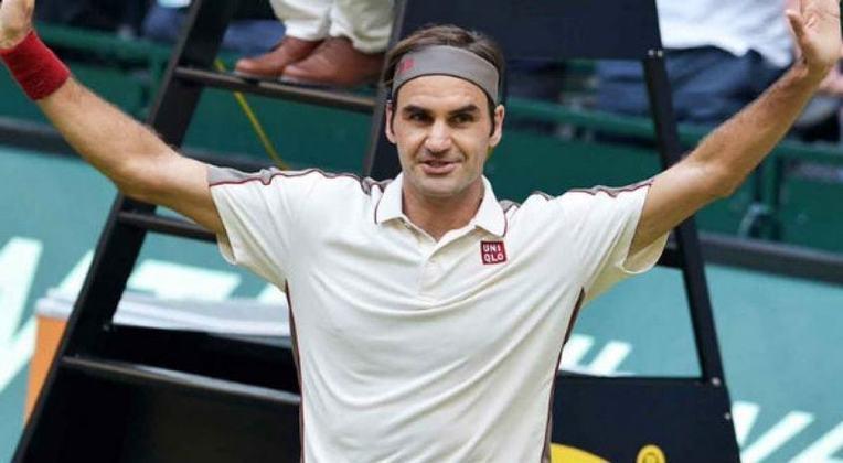 #7 Roger Federer - Jogador de tênis - Idade: 36 anos - Ganho total: 90 milhões de dólares.