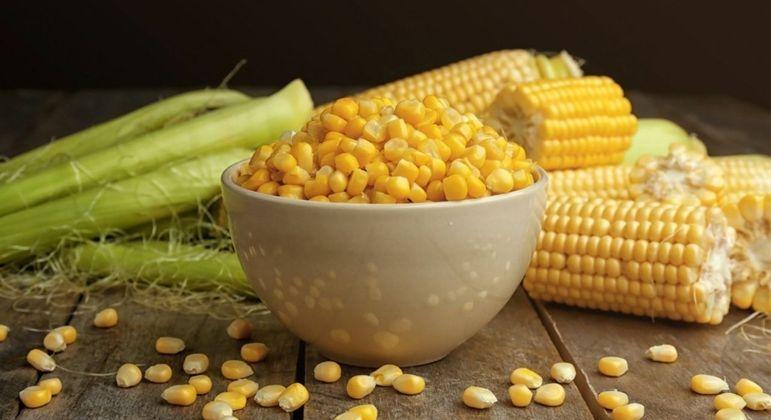 7 simpatias com milho para melhorar diversos setores da sua vida