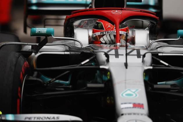 77 - Homenageando Niki Lauda e segurando Max Verstappen nas voltas finais, Lewis Hamilton venceu o GP de Mônaco de 2019