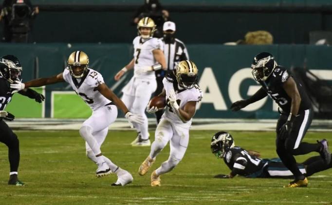 8º Alvin Kamara (New Orleans Saints): Outro que cai bastante no ranqueamento nos últimos jogos. Kamara não tem rendido o mesmo desde que Taysom Hill assumiu as rédeas do ataque dos Saints.