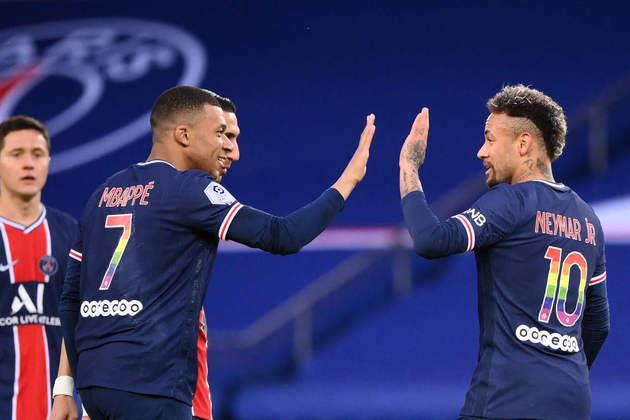8º - Após ser vice-campeão da Champions League, o Paris Saint-Germain fez uma temporada que não levou grandes taças ao time. Ainda assim, o clube francês conseguiu subir no 'Top 10'