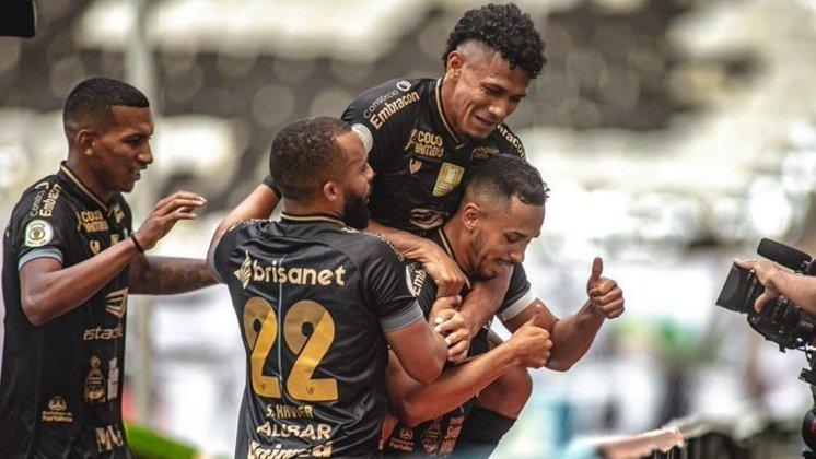 8º colocado – Ceará (45 pontos/32 jogos): 0.0% de chances de ser campeão; 5.4% de chances de Libertadores (G6); 91% de chances de Sul-Americana; 0% de chances de rebaixamento.