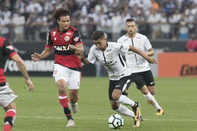 8) Corinthians 1 x 1 Flamengo - Campeonato Brasileiro de 2017: 44.682 pagantes.