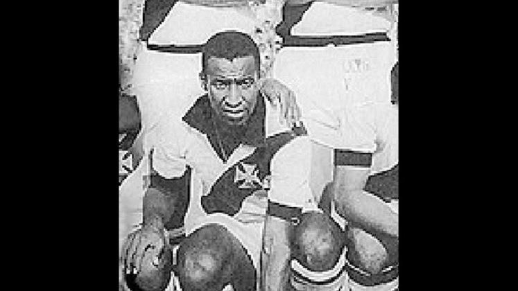 8º – Danilo Menezes – 1965-1971 – uruguaio – 17 gols