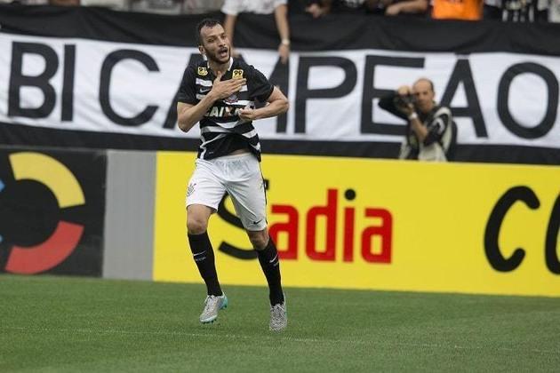 8) Edu Dracena - 1 gol - marcou um dos gols da histórica goleada por 6 a 1 na 36ª rodada do Brasileirão-2015, em 22 de novembro de 2015.