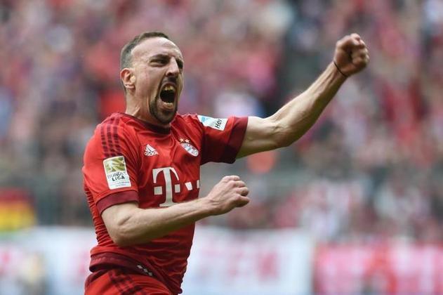 8. Frank Ribéry - 227 assistências em 649 jogos. Após ter a casa assaltada, Ribéry pelo menos tem algo a comemorar.