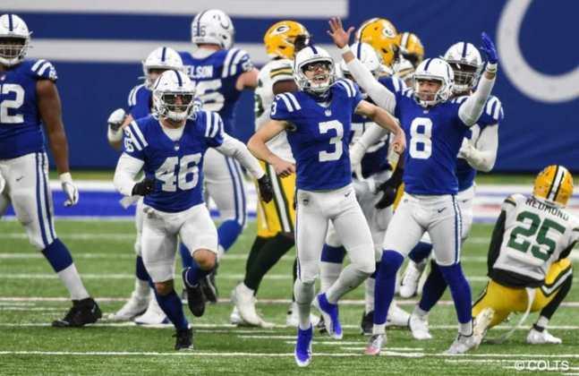 8º Indianapolis Colts - A defesa da franquia pode guiar esse time longe na pós-temporada. Basta o ataque ser minimamente eficiente.