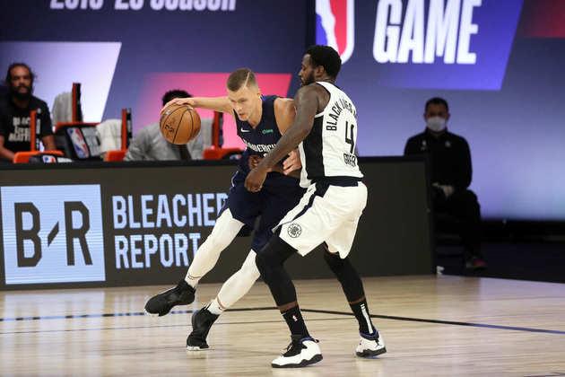 8- Kristaps Porzingis (Dallas Mavericks): 30 pontos, nove rebotes, cinco assistências. Porzingis bem que tentou de tudo, mas não conseguiu fazer o Mavs superar o Los Angeles Clippers. O Mavericks perdeu três dos quatro jogos em Orlando, sem mostrar algum tipo de reação. Não deve ter vida longa nos playoffs