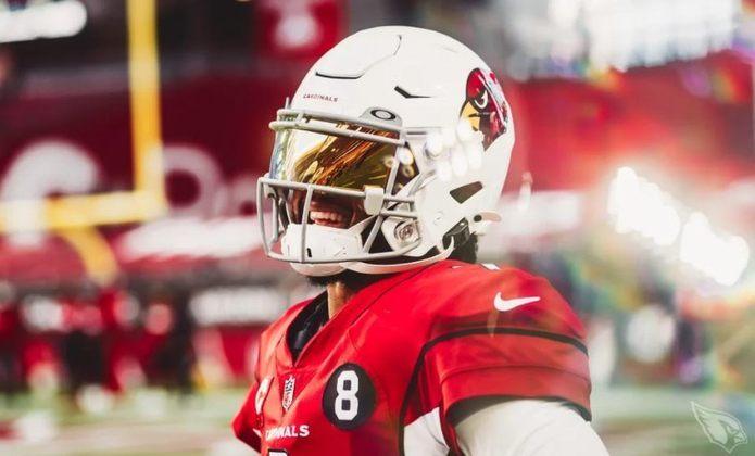 8º Kyler Murray (Arizona Cardinals): O quarterback ameaça as defesas com o braço e também com as pernas. Se mostra cada dia mais a vontade competindo na NFL.