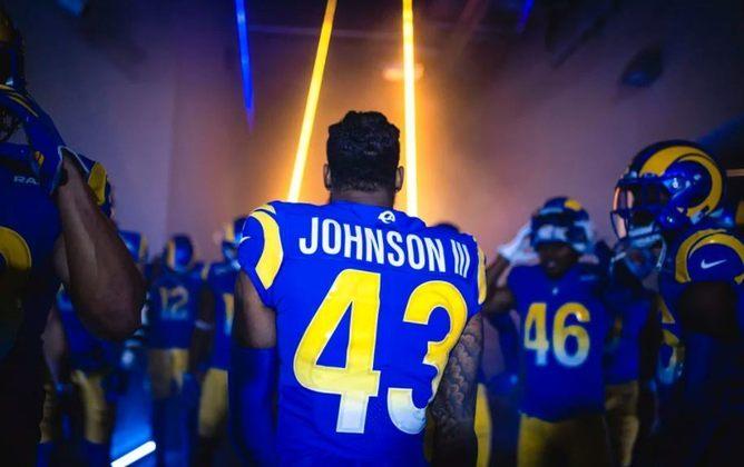8º Los Angeles Rams: Quando você pensa que os Rams vão assumir o favoritismo na divisão, perdem para um dilacerado por lesões 49ers. Nada mais frustrante.