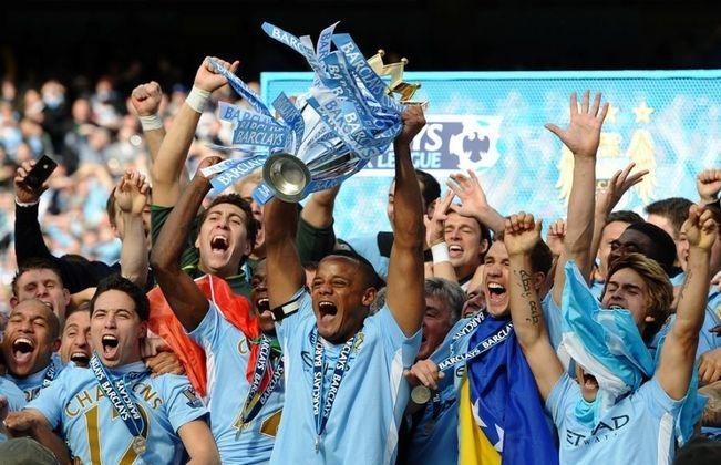 8º lugar: Manchester City - 2113 pontos.
