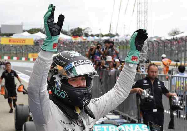 8 - Nico Rosberg, 30 poles, a última delas com o W07 no GP do Japão de 2016