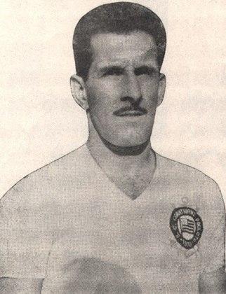 8) Olavo - zagueiro - uma passagem: 1952 a 1961 - 506 jogos