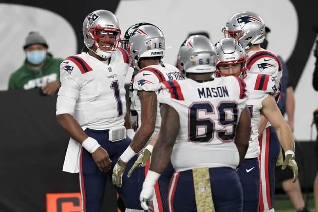 8. Shaq Mason (New England Patriots):Um dos guards mais subestimados da NFL, nunca tendo sido nomeado a um Pro Bowl, Shaq Mason chega à lista também por sua consistência. Com quatro notas acima de 80 no índice do PFF nas últimas cinco temporadas, o right guard dos Patriots se destaca principalmente nos bloqueios para o jogo terrestre.