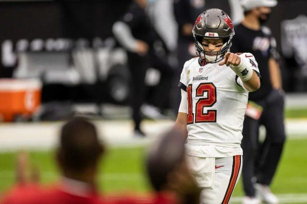 8º Tom Brady - As últimas semanas fizeram Brady se distanciar do topo. Mas seu desempenho ainda é digno de nota a frente dos Bucs.